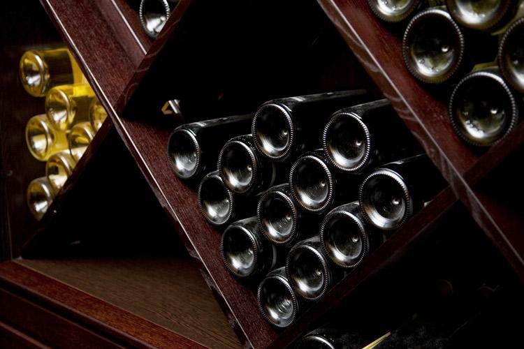 El vino almacenar y esperar antes de beber - Estanterias de vino ...